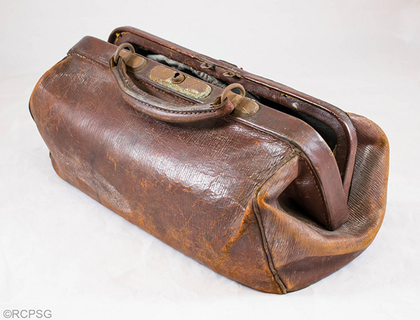 Dr Menzies' medical bag. © Royal College of Physicians and Surgeons of Glasgow.
